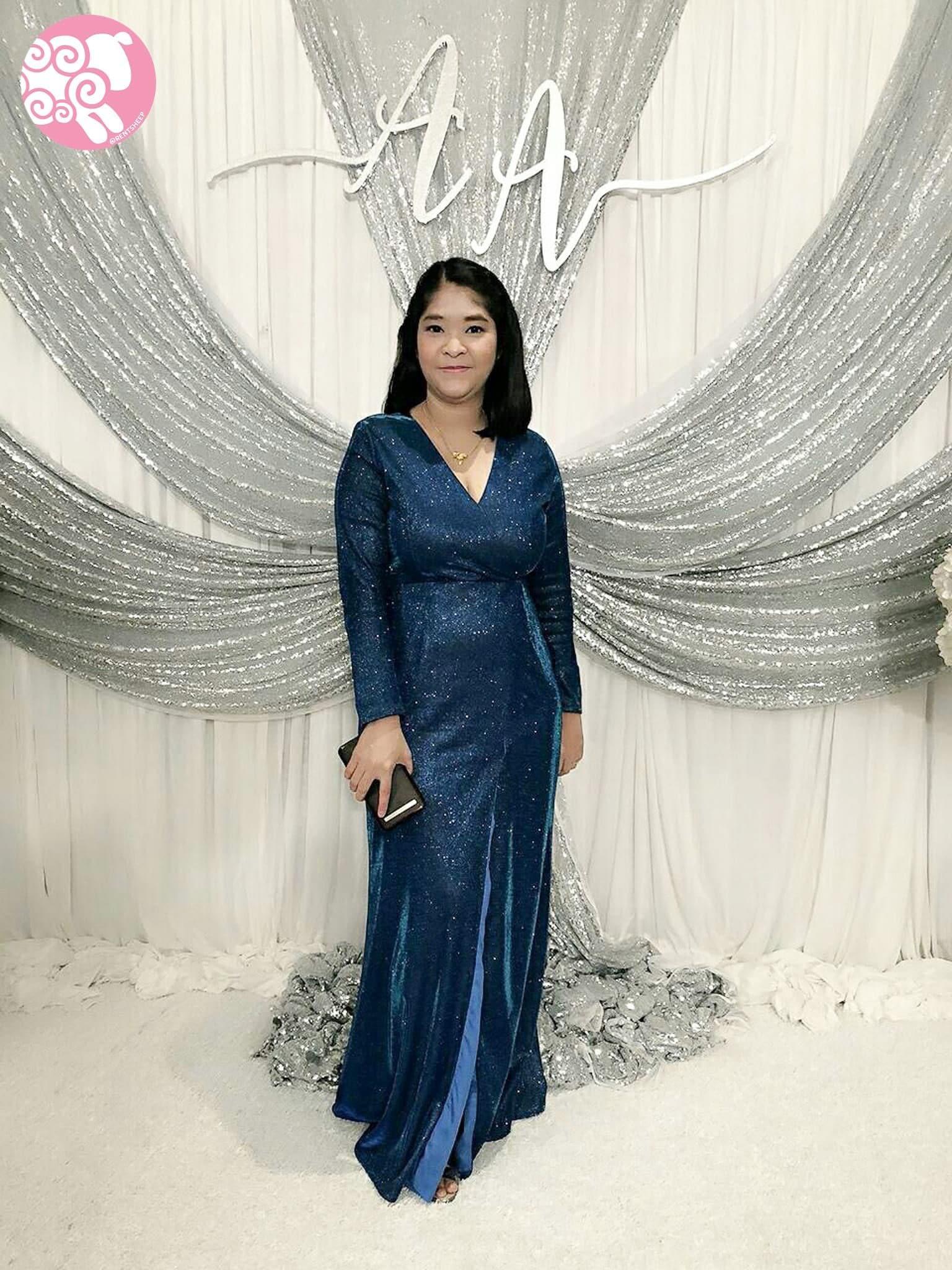 ชุดราตรียาวสีน้ำเงิน