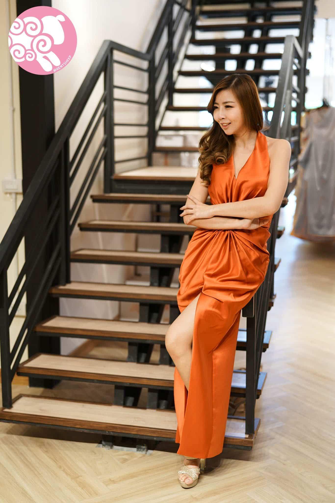 ชุดราตรีสีส้มอิฐ